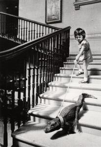 PHOT0 alligator girl